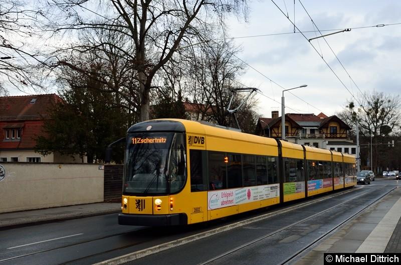 2802 als Linie 11 an der Haltestelle Angelikastraße.