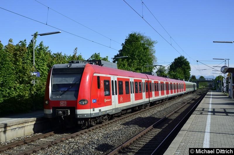 423 284 + 423 204 als Linie S3 in Otterfing.